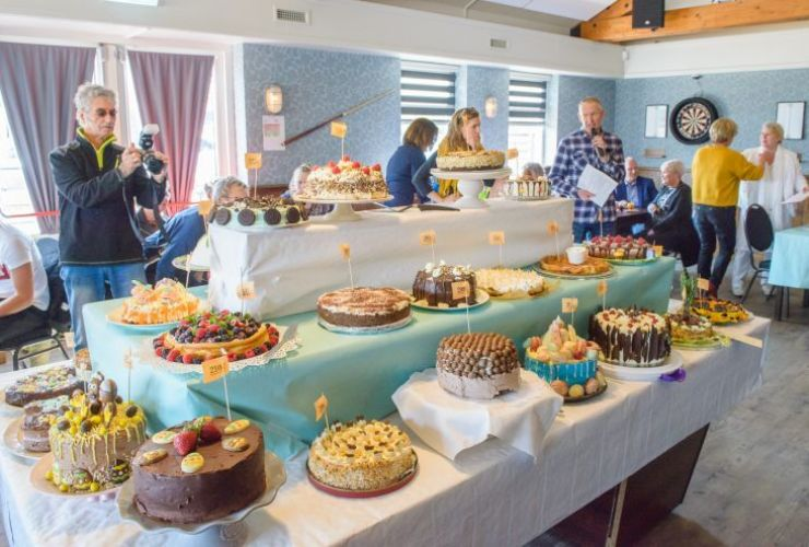 Lekkere taarten in het dorpshuis